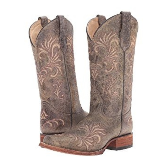 bdce9d1d5 Corral Shoes | Womens Circle G Snip Toe Cowboy Boots 85 | Poshmark